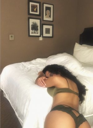 Amrine erotic massage in Hamilton